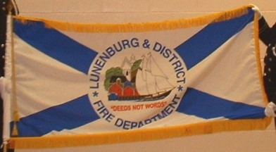 [Flag of Lunenburg District]