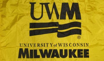 [flag of the University of Wisconsin - Milwaukee]